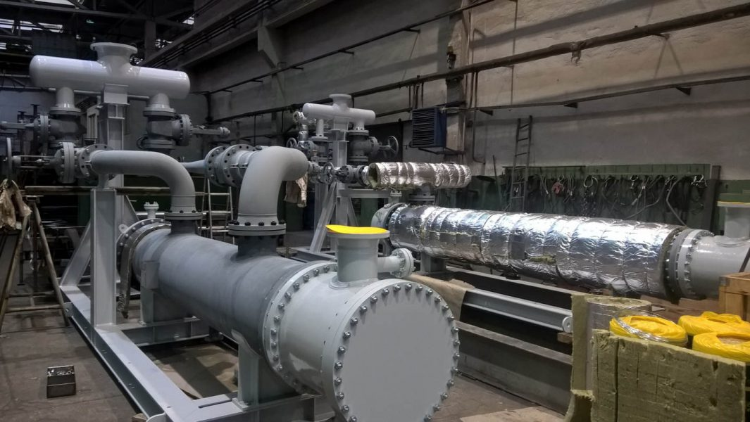 Zásobníky pro plastikářský průmysl|Výměníková stanice včetně potrubí, rámu a izolace.